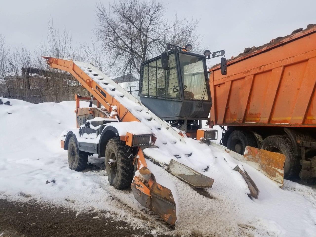 Снегопогрузчик ДМ-09
